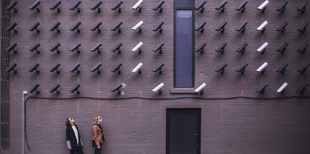 Слежка за частной жизнью целых наций незаметно становится нормой
