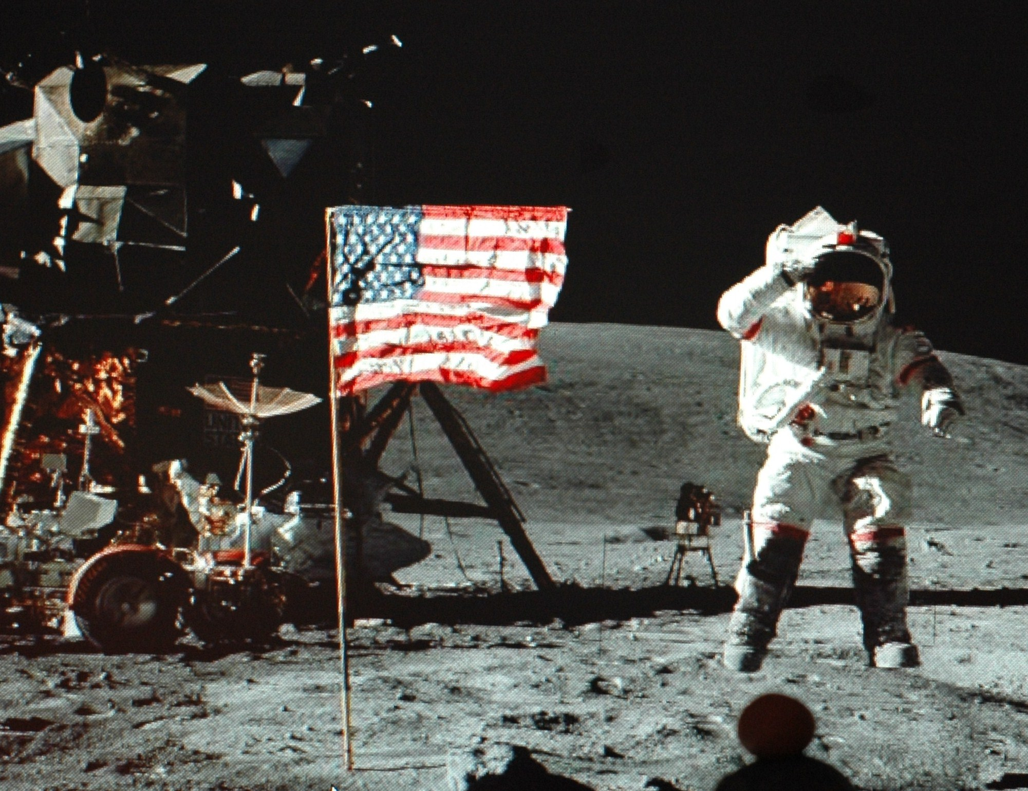 neil armstrong on the moon - HD 2001×1539