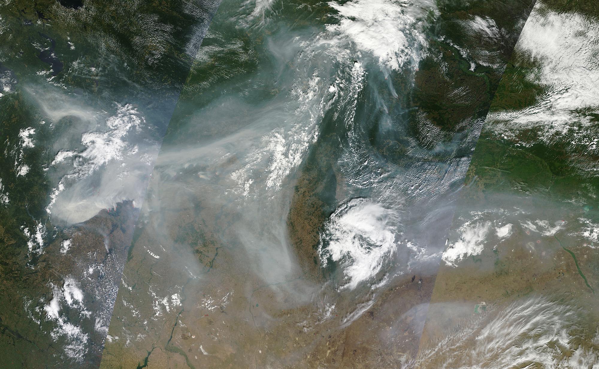 Сильные пожары на западе России. Изображение: NASA
