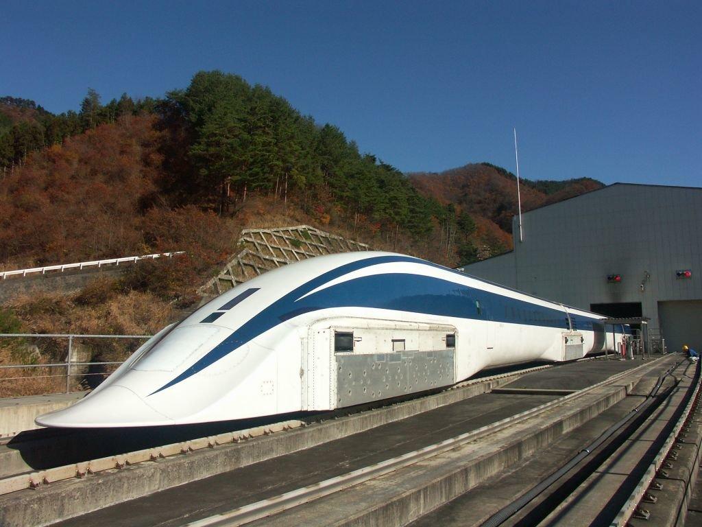 В Китае тестируют поезд, который может разгонятся до 600 км/ч