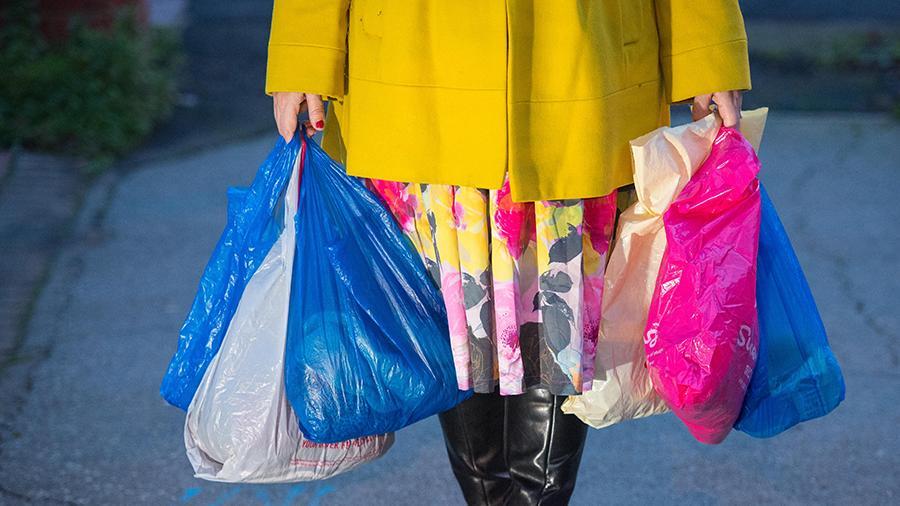 Роспотребзандзор готовит закон о постепенном запрете пластиковых пакетов в России