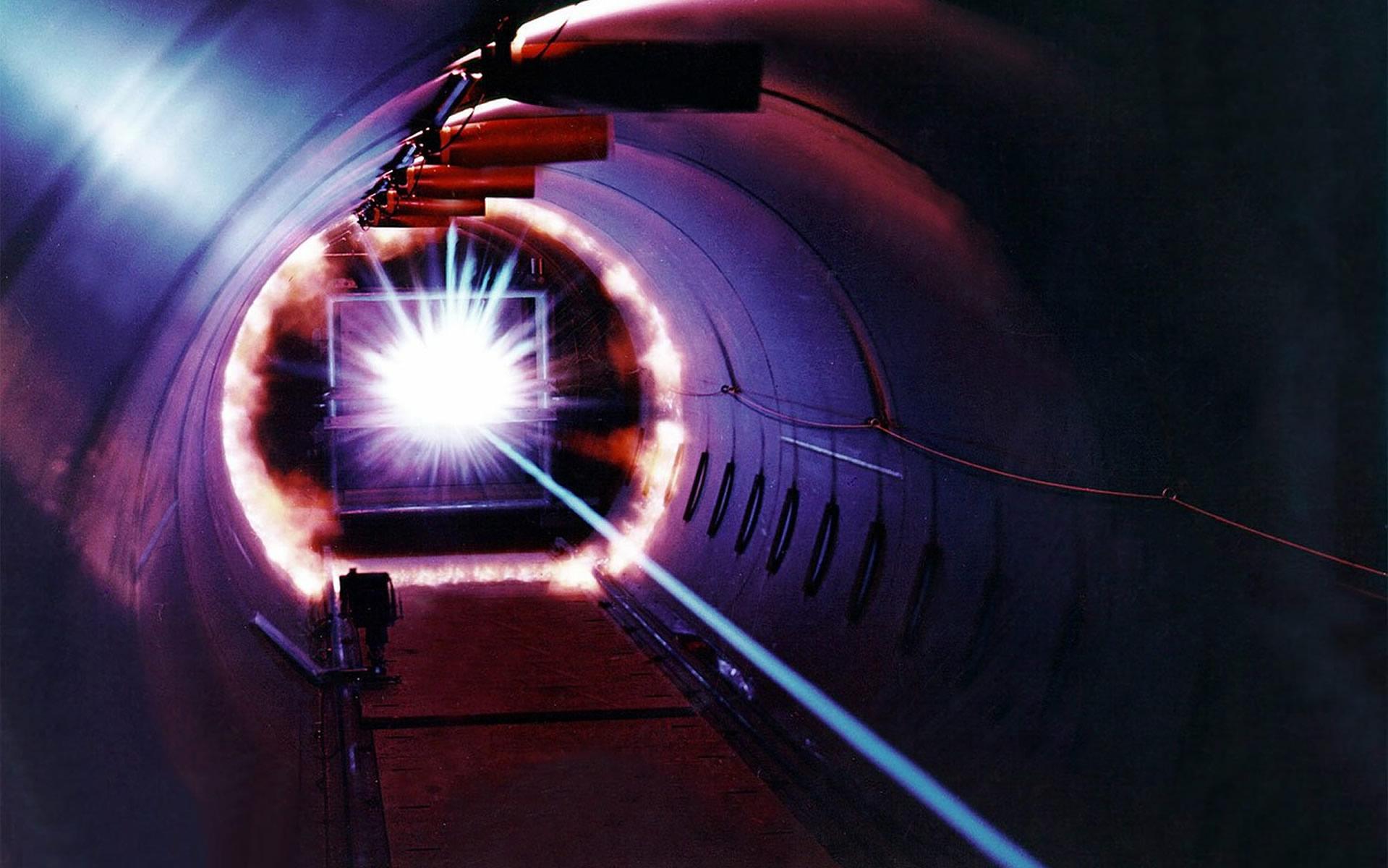 Российские ученые создали систему передачи данных через атмосферу с помощью лазерного луча