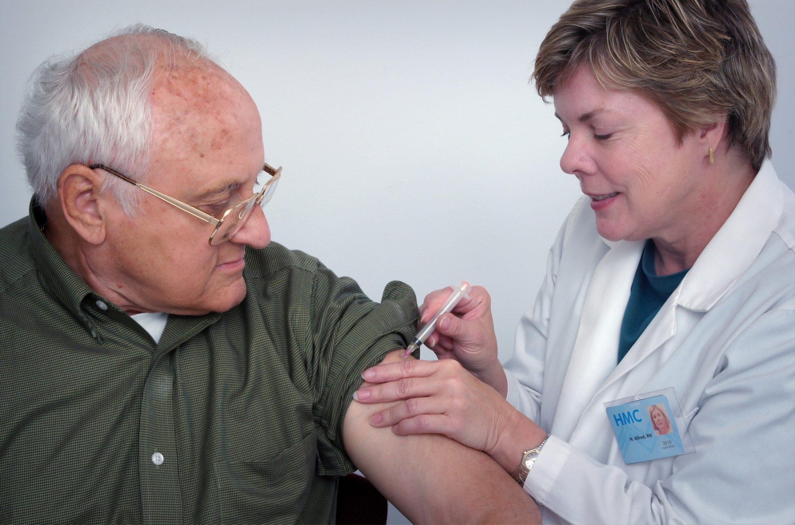 В Европе началась массовая вакцинация от коронавируса