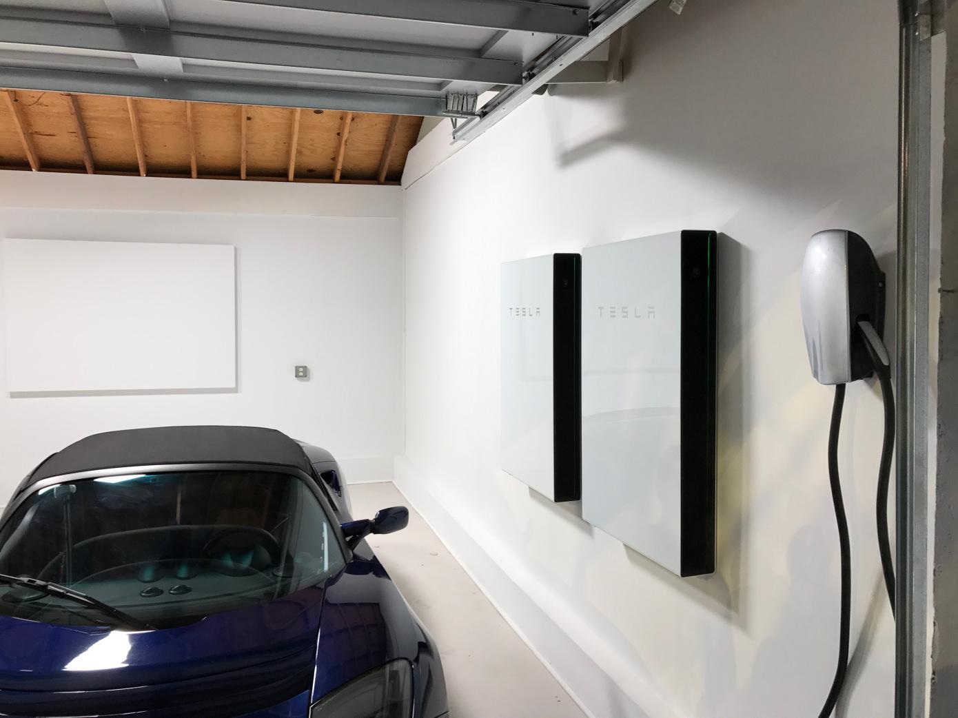 Ілон Маск перетворить житлові будинки в розподілені електростанції