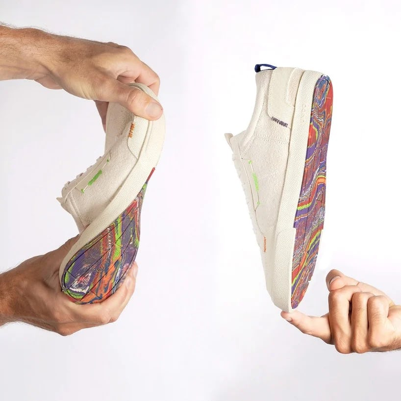 Випущені веганські кросівки з підошвою з перероблених повітряних куль